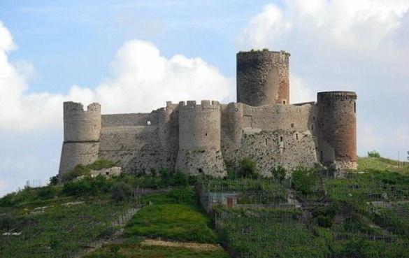 I Luoghi del Cuore: Castello Medioevale
