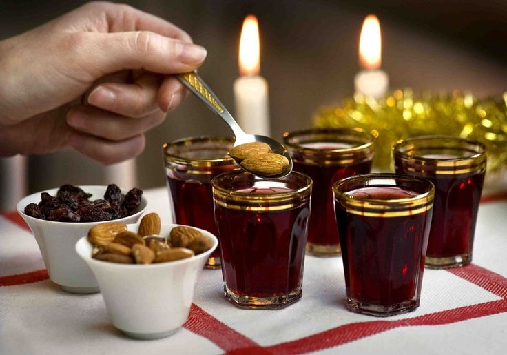 How to Throw a Swedish Style Mulled Wine Party - glögg recipe, pepparkakor + more