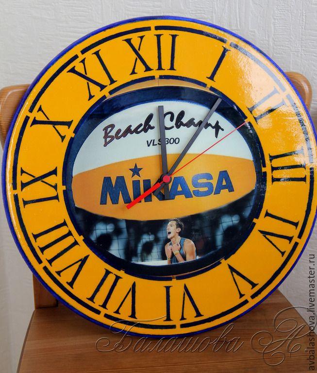 """Купить Большие часы """"Наш Чемпион"""" - разноцветный, волейбол, подарок спортсмену, часы с фото, часы"""