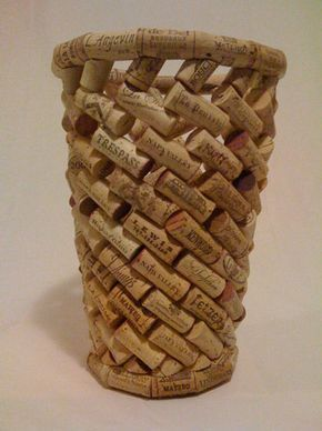 Haz una cesta con tus tapones de #corcho :)