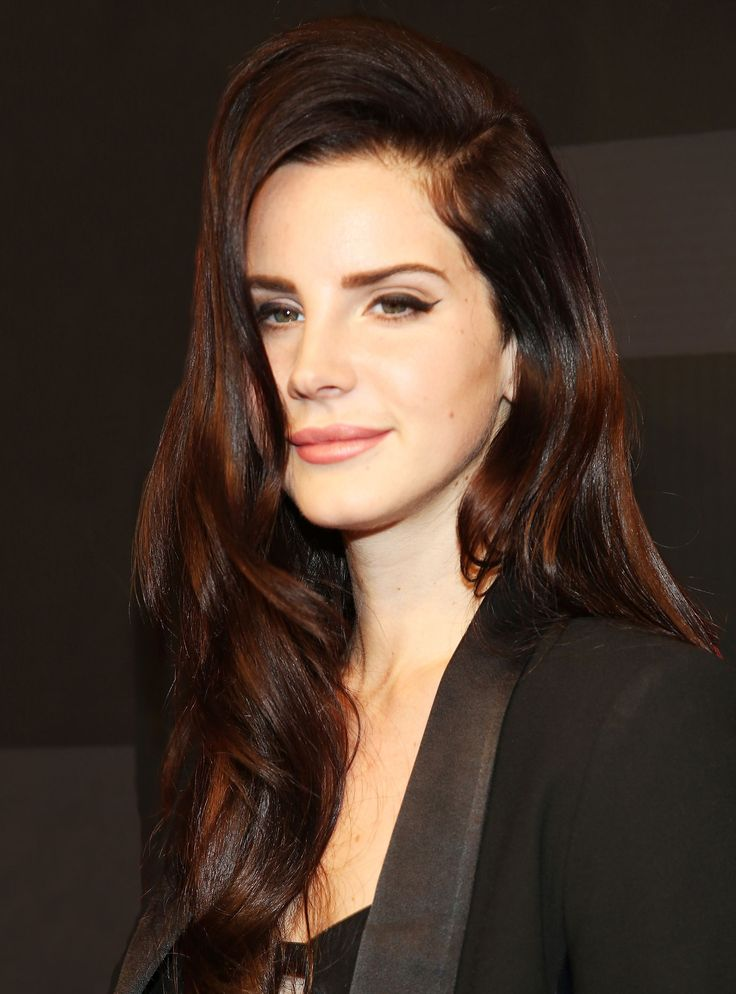 Lana Del Rey Chopped Off Her Signature Long Hair+#refinery29