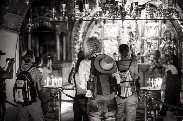 Dirk Goldbach, Tourists in The Holy Sepulcher I, Old City, Jerusalem, Israel, 2014-06-25
