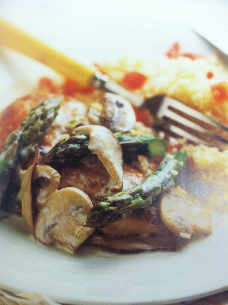 Chicken with Asparagus and Mushrooms Photo