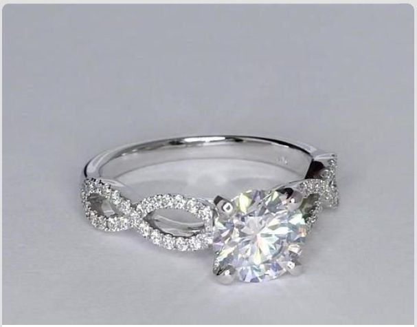 This Is What i want my engangement Ring Too Look Like