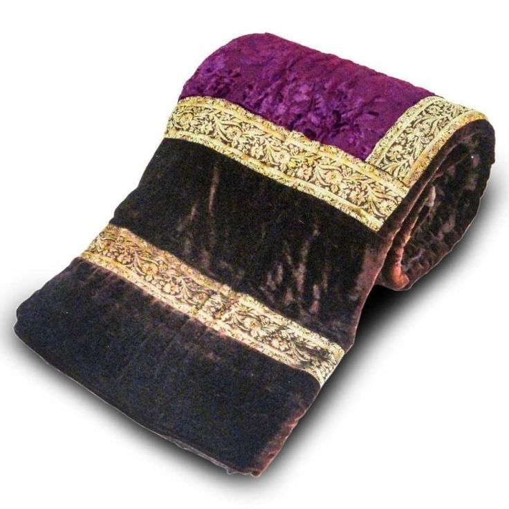 Shop Sovaam Velvet Single Jaipuri Handmade Blanket Vintage Quilt Razai by Shoppingtara online. Largest collection of Latest Quilts and Blankets online. ✻ 100% Genuine Products ✻ Easy Returns ✻ Timely Delivery