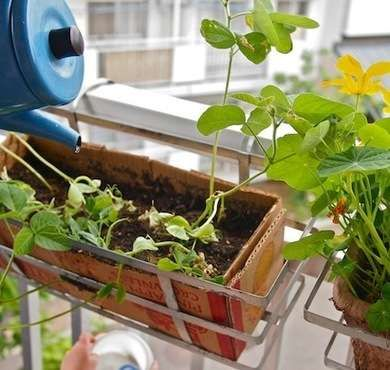 11 ideas for repurposing cardboard. Some are really clever!