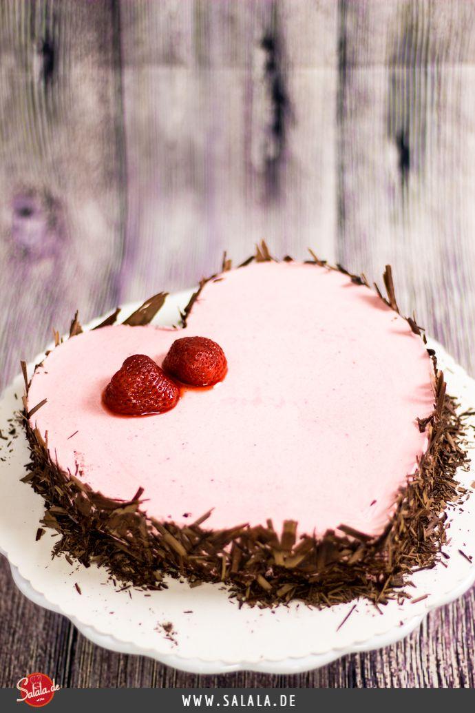 Sahniges Erdbeerherz Zum Valentinstag Rezept Kuchen Und Torten