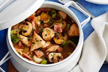 Turkey, bacon and thyme hotpot – Recipes – Slimming World