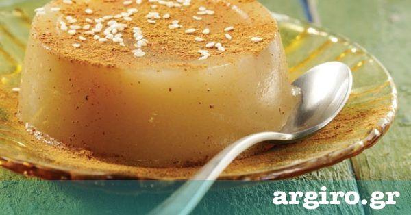 Μουσταλευριά με σιμιγδάλι από την Αργυρώ Μπαρμπαρίγου | Όσο ακόμη βρίσκετε μούστο, αδράξτε την ευκαιρία για να φτιάξετε αυτό το λαχταριστό γλύκισμα!