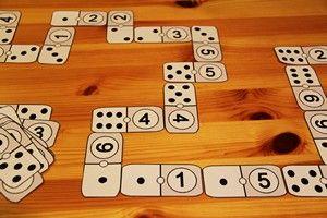 Jouer avec de jolis dominos
