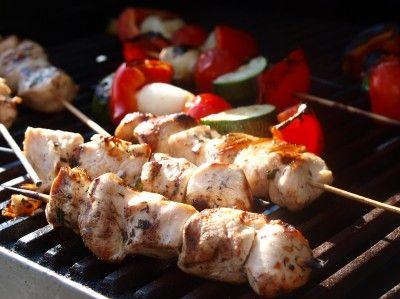 Sitronmarinerte kyllingspyd med grillede grønnsaker, fetakrem og basilikumcouscous - TRINEs MATBLOGG