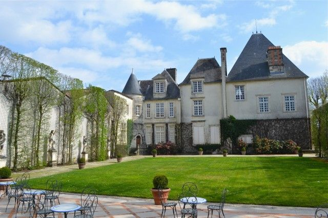 Most Merlot on record for Haut-Brion 2012  http://www.thedrinksbusiness.com/2013/04/most-merlot-on-record-for-haut-brion-2012/