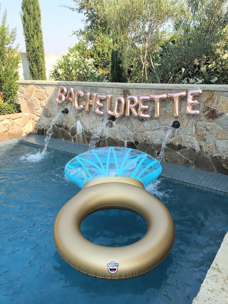 napa bachelorette party. bachelorette party cute ideas. bachelorette balloon sign. bachelorette ring pool float