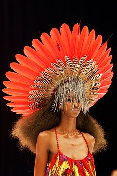 newpurse:  Philip Treacy headdress for Alexander McQueen's s/s 2003 collection.