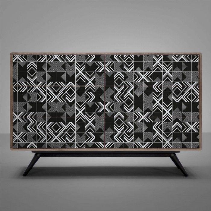 Vinilo de losas negras con diseño geométrico para decorar cómodas y aparadores / Vinyl of black tiles and geometric design to decorate sideboards #lokolokodecora