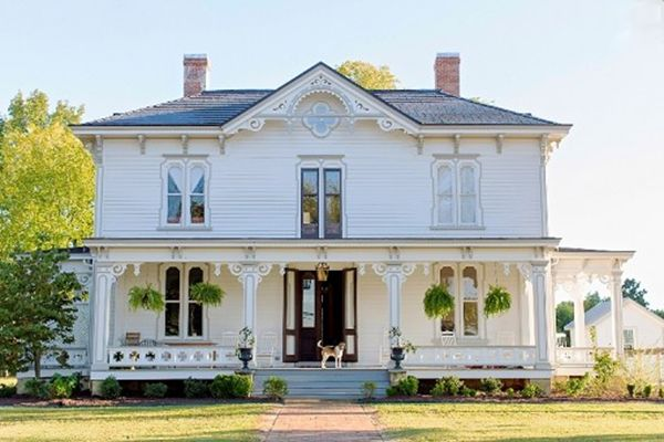 8 of the Prettiest Old Houses Currently on the Market