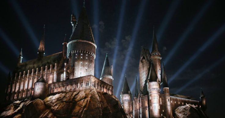 'Harry Potter' Fans Can Tour Hogwarts in New Digital Experience: Harry Potter fans may not be able to physically go to Hogwarts next week, J.K. Rowling's Pottermore website launched the second best thing. A new interactive digital platform called Hogwarts Experience allows fans to roam the grounds as if they were in the books. The website, which launched toThis article originally appeared on www.rollingstone.com: 'Harry Potter' Fans Can Tour Hogwarts in New Digital Experience…