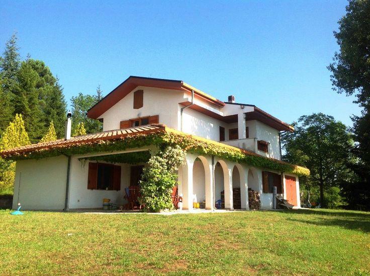 Property for sale in Abruzzo Montebello di Bertona Italy - Country House > http://www.italianhousesforsale.com/property-italy-casa-abete-montebello-di-bertona-abruzzo-1619.html