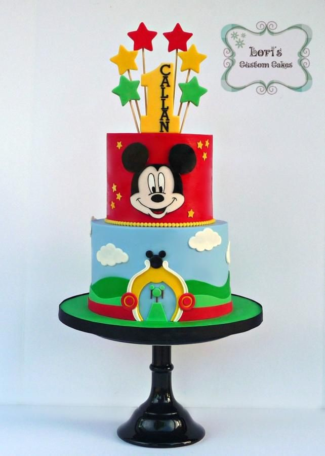 Mickey by Lori Mahoney (Lori's Custom Cakes)