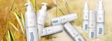 Gezichts- en huidverzorging. Face-serum, gezichtscréme, hydraterende bodylotion en bodylotion voor cellulitis.