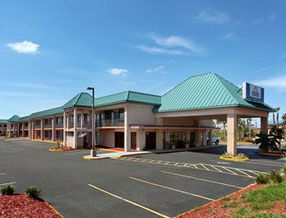 Days Inn And Suites Davenport FL 33837. Upto 25% Discount Packages.   Near by Attractions include Walt Disney World, Ritchie Bros Acution, Kissimmee,   congo river golf, fun spot usa, the legends golf course, osceola county stadium,   green meadows petting farm, kissimmee go-karts. Free Parking and Free Wifi internet.   Book your room and start saving with SecureReservation. please visit-   http://www.hoteldisneyworldkissimmee.com/