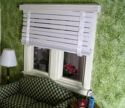 New England Miniatures Blog: A non-working miniature Venetian blind