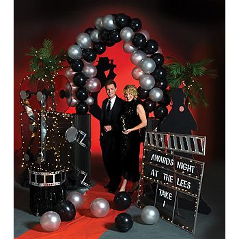 Theme Idea Host A Red Carpet Event And Ask Guests To Dress The Part