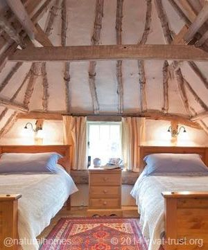 This is a late 17th century Mud and Stud cottage in the beautiful Lincolnshire Wolds of England. You can find Mud and Stud homes in Jamestown, Virginia, USA built there by British colonists. Mud and stud is similar to wattle and daub but the mud (clay, sand and straw) is supported by vertical riven lathes. More at www.naturalhomes.org/timeline/mudandstud.htm