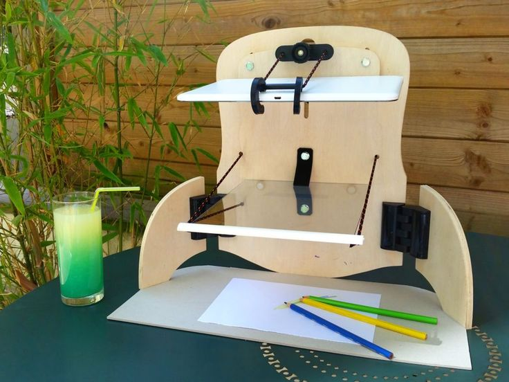 QroKee is a fun little machine that uses a video-hologram as a template for drawing, painting, engraving, sculpting, ...
