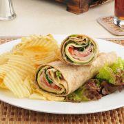 Wrapps met kalkoen filet en groenten