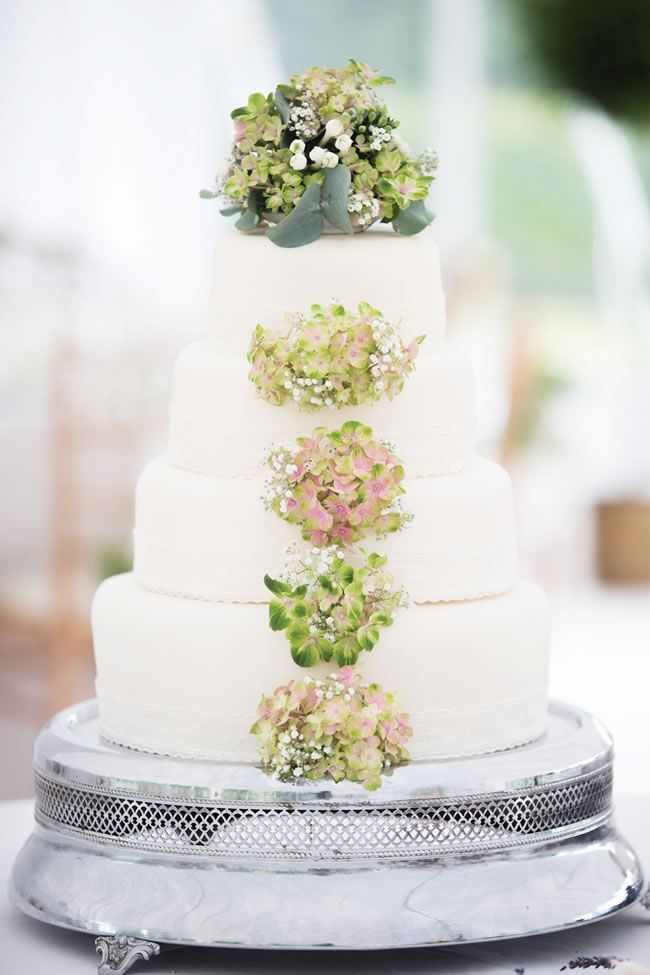 using real flowers on wedding cakes 112 best cakes amp flowers images on marriage 21514