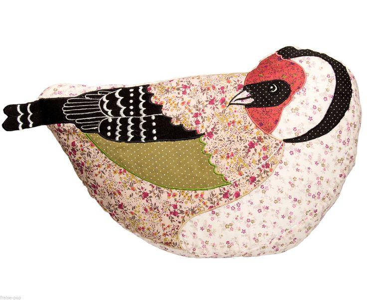 Coussin forme oiseau tissu liberty r tro patchwork brod dehoussable 50 l - Tissus patchwork soldes ...