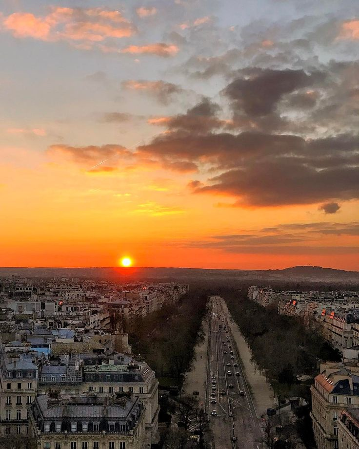 And this was the end of that amazing sunset on top of l'Arc de Triomphe in Paris, France