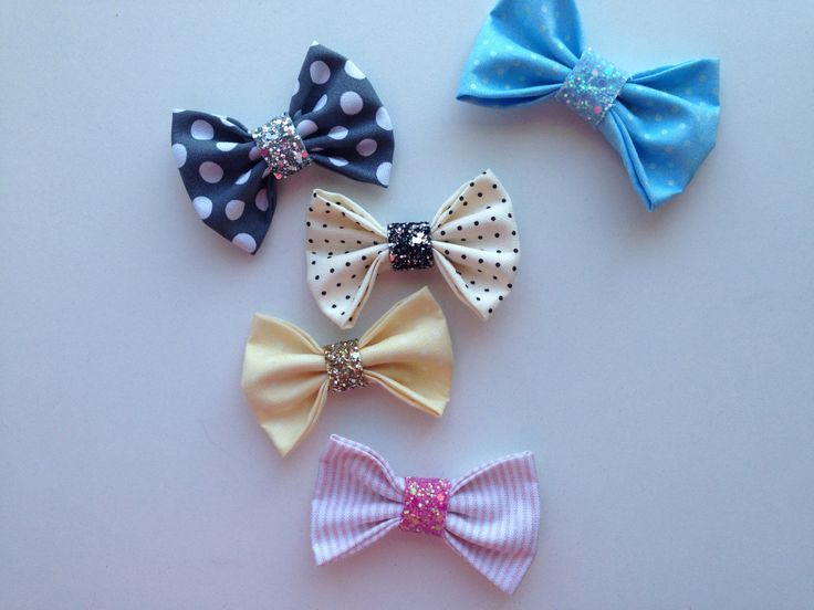 The prettiest bow Pretty fabric bows with a glitter Center!