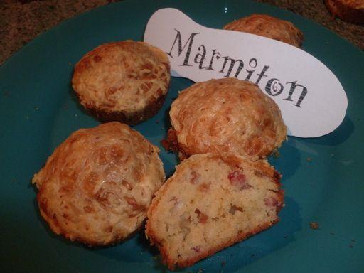 Muffins salés aux lardons et au fromage râpé
