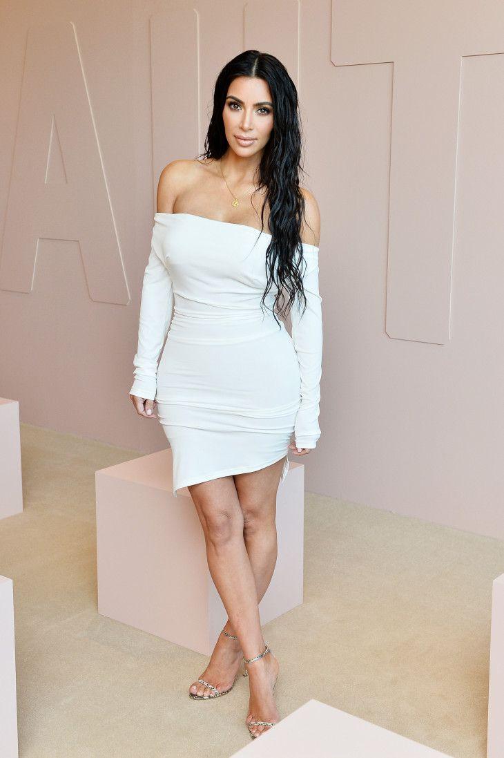 Ким Кардашьян наряд
