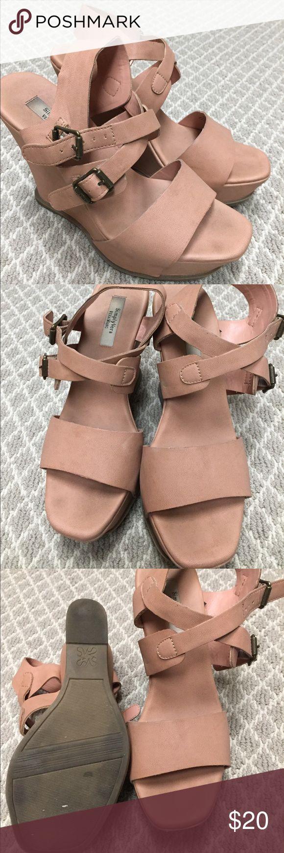 Simply Vera Vera Wang platform wedge. Size 8 Simply Vera Vera Wang platform wedge. Size 8. Make me an offer Vera Wang Shoes Wedges