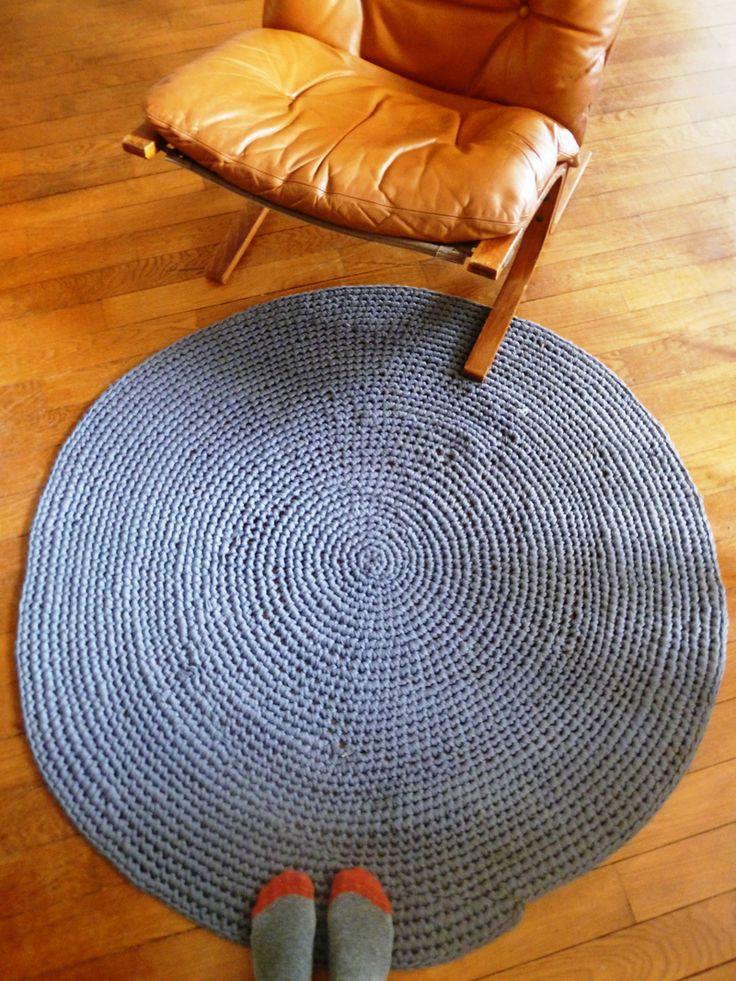 Grey zpagetti rug