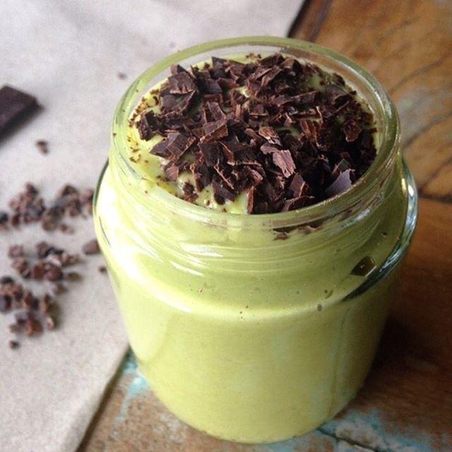 Smoothie de abacate, iogurte e limão para garantir energia durante o dia