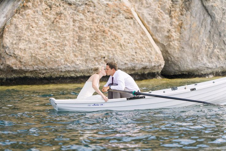 Rowboat Wedding Photos, Rowboat Wedding Kisses, Paddle Boat Wedding