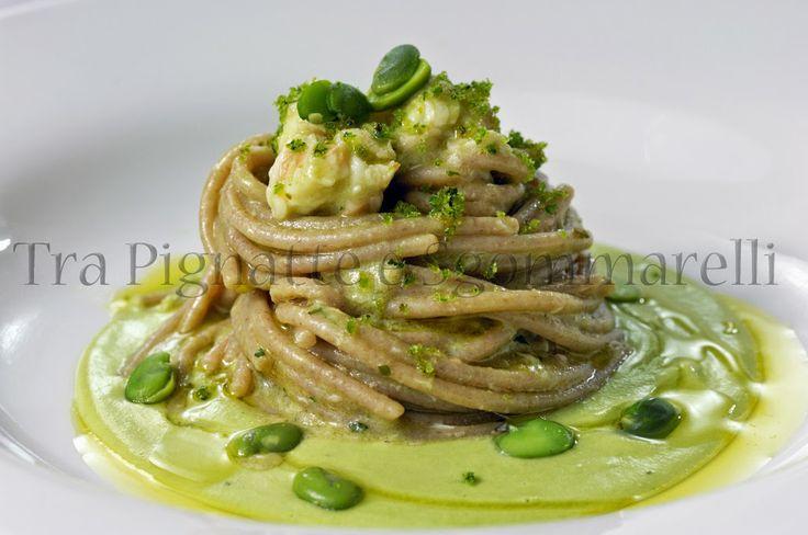 Tra pignatte e sgommarelli -  Spaghetti di farro, con crema di fave fresche, scampi e mollica di pane alle erbe