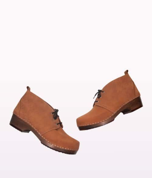 Chukka tan men's clog boots 2