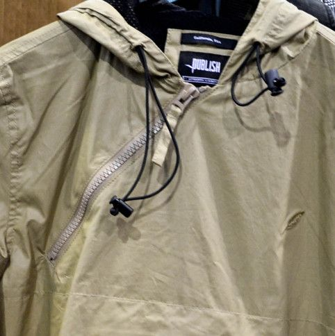 active utility large gusset pockets,