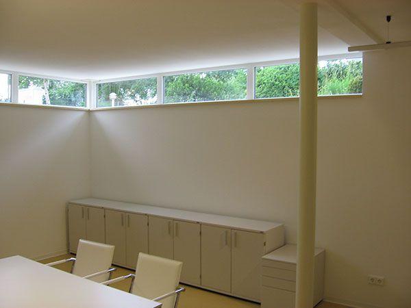 licht im keller knecht fertigkeller architecture in. Black Bedroom Furniture Sets. Home Design Ideas