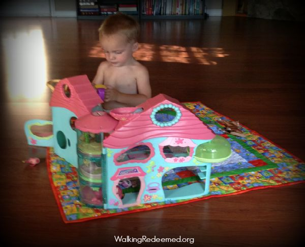 Tips for Training your Child Through the Tender Years // Blanket Time, Lap Training, Expect Obedience