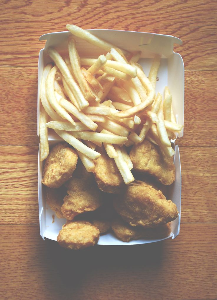 EVERYONE GO FOLLOW @theycallmesuruh BECAUSE IF YOU DO, I'LL SHARE BY FRIES AND NUGGETS. (ugh comment block) JK ABOUT THE FOOD *HIDES FOOD*