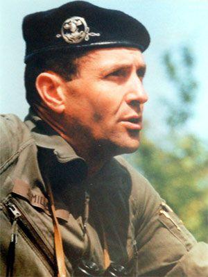 72e Le Colonel Jérôme Millet, chef de corps du 2e Régiment de Hussards 1991-1993