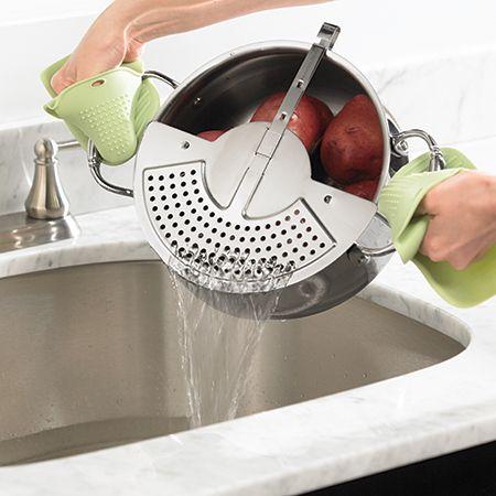 Princesa House® Especialidad Clip -On depósito del colador . Coladores No más voluminosos ! Ahora se puede drenar rápida y segura de pasta , verduras y mucho más! Práctico y cómodo . Se conecta fácilmente a su olla o sartén y lo suficientemente fuerte como para permanecer firmemente en su lugar , mientras que el drenaje de líquidos y alimentos calientes . VENTA $ 14.95 ENVIAMOS A CUALQUIER PARTE EE.UU.http://princesshouse.com/products/product_detail.aspx?pid=1132