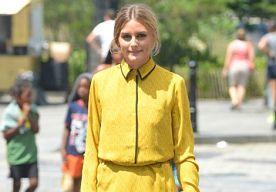 26-Aug-2014 14:15 - OLIVIA PALERMO BEWIJST DAT MOOI GEEL NIET LELIJK IS. Olivia Palermo is niet ordinair te krijgen. De it-girl, die binnenkort een eigen schoenenlijn op de markt brengt in samenwerking met Aquazzura, hult zichzelf immer in mooie outfitjes. Al zou ze luipaardprint met rood lakleer combineren, ziet ze er nog fantastisch uit. Haar gevoel voor mode showt ze nu weer in deze mooie, felgele outfit.