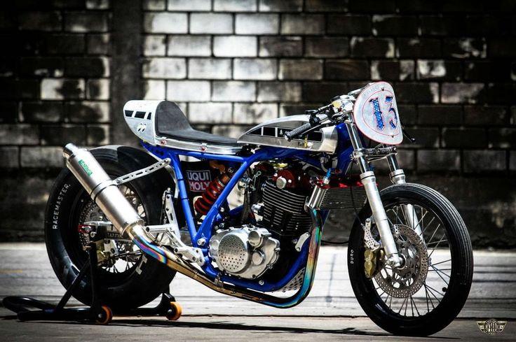 Moto Cafe Racer Sr  Varkain